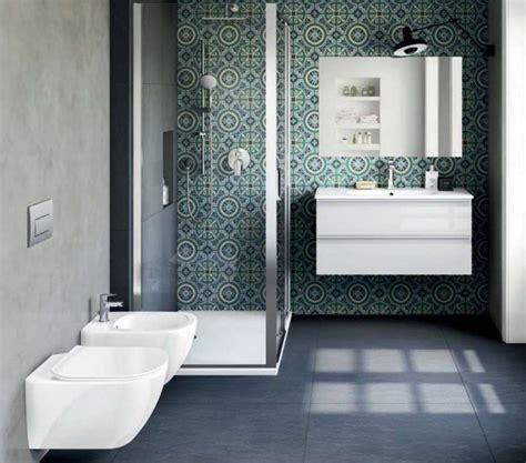 piastrelle bagno mosaico doccia doccia a pavimento mosaico