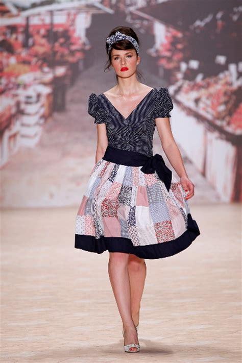 Der 50er by 50iger Jahre Mode