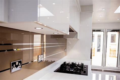 mirror stripes  antelope colour glass kitchen