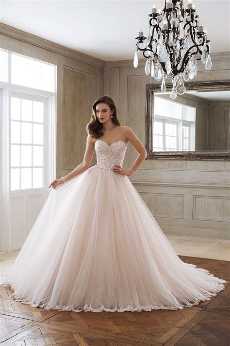 Wedding Gowns by Gown Collection Toronto Bridal Gown Toronto Wedding Dress