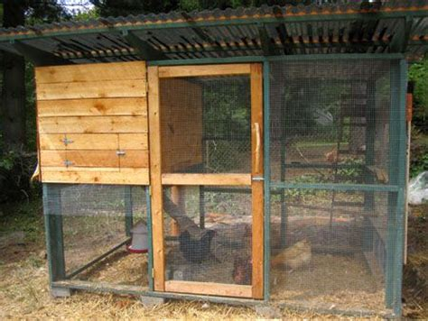 Diy Backyard Chicken Coop by 107 Best Coop Building Plans Images On