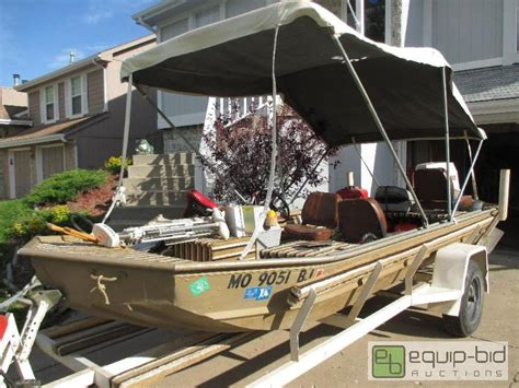12 Foot Extra Wide Jon Boat by 16 Extra Wide Jon Boat With Trailer Gtauction Lawn