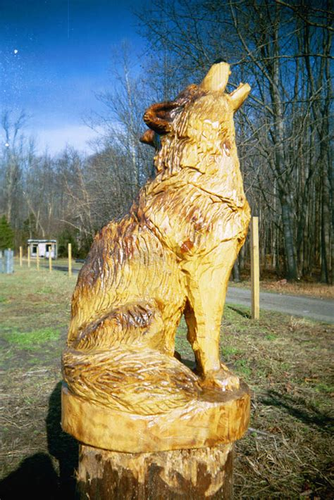 chainsaw carving wood carvings wooden sculpture wildlife wolf artisans stump wolves animal patterns tree woodcarving whittling statues carved valley bob