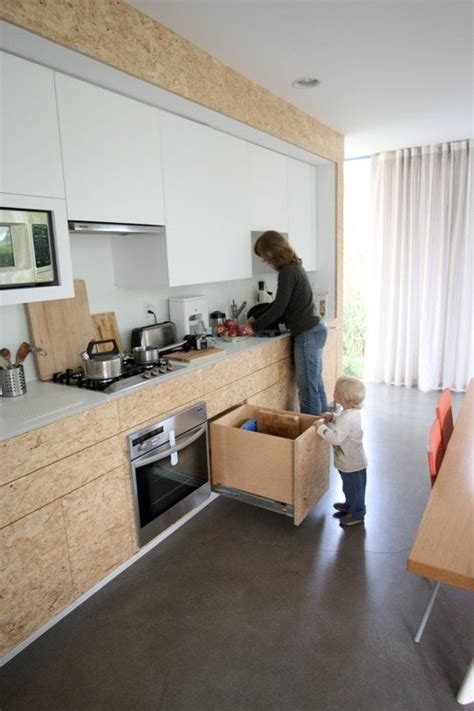 OSB: Pros, Cons of Using Oriented Strand Board Out in the