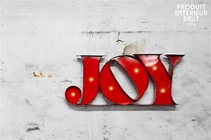 Enseigne Lumineuse Deco : enseigne lumineuse joy design industriel un accessoire d co illumin au design industriel ~ Teatrodelosmanantiales.com Idées de Décoration