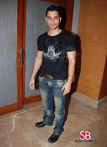 Mumbai Indians Tie up with Film 99 -- Kunal Khemu Picture ...