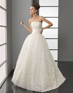 Getting that 195039s bridal look onewed for 1950s wedding dresses