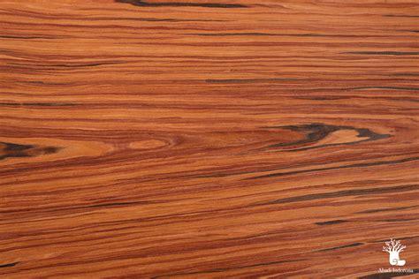 Red Rosewood DCDY 150 — Veneer Indonesia