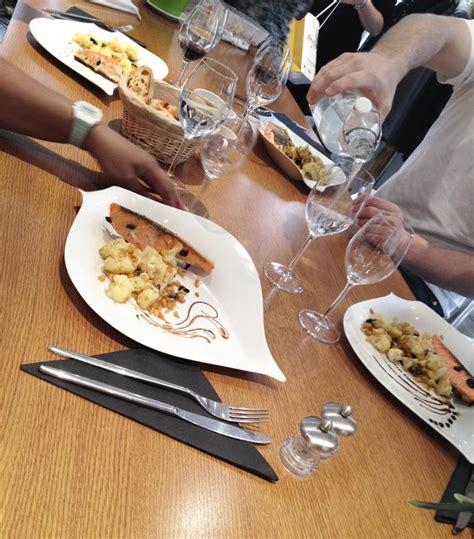 atelier cuisine nantes un cours de cuisine à l 39 atelier des chefs nantaise fr