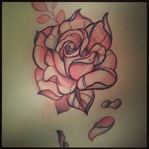 Nice Sketch Of Traditional Rose Tattoo (3) - Golfian.com