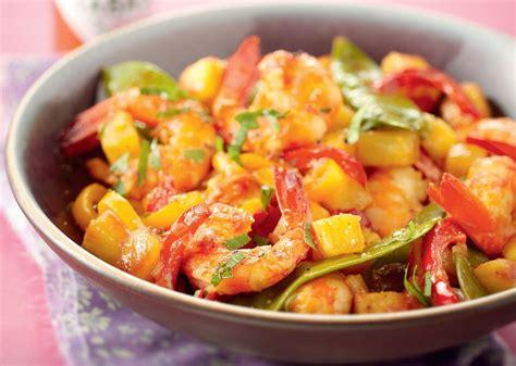 recettes de cuisine au wok recette wok de gambas pimentées à l ananas