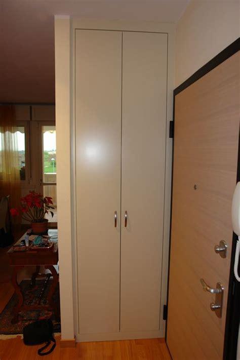 Armadio Per Ingresso Casa - spalletta in cartongesso con armadio in nicchia l