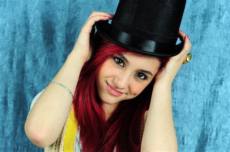 Ariana Grande Wallpaper Images Icons, Wallpapers And