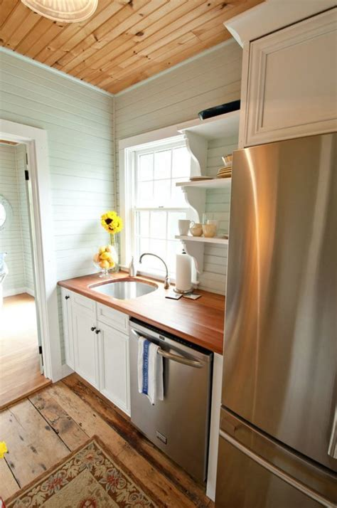 small cottage kitchen design ideas 25 best ideas about small cottage kitchen on 8005