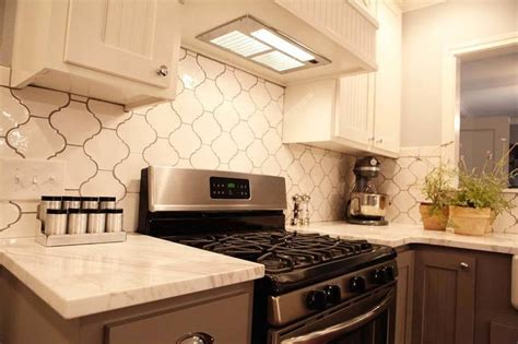 pictures of small kitchens makeovers 17 best ideas about fixer episodes on 7489