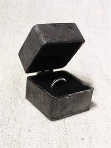 Proposal engagement ring box iron wedding ring box for Wedding ring holder box