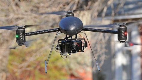 Drone Volante Con Telecamera by Droni Di Sky Per Le Riprese Calcio In Tv Tom S Hardware