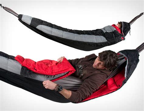 Sleep In A Hammock by Hammock Compatible Sleeping Bag Covers The Entire Hammock