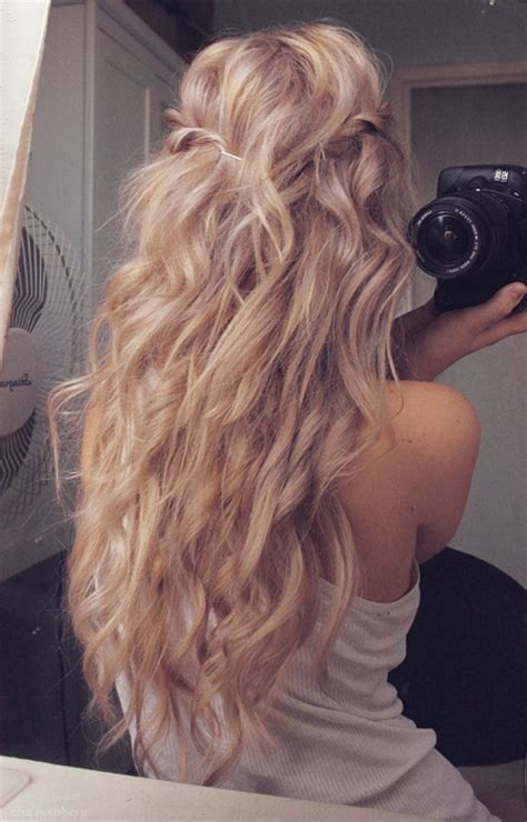 ultra chic long curly hairstyles  women pretty designs