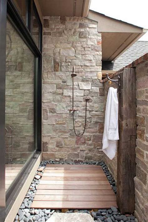 cool outdoor shower ideas  splashy experience