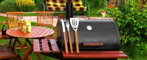 Backyard Bbq Restaurant by Deelat Tips For Hosting A Backyard Bbq