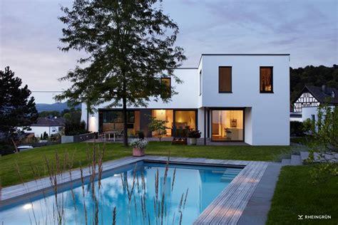 Moderne Häuser Und Gärten moderner garten ideen und beispiele rheingr 252 n
