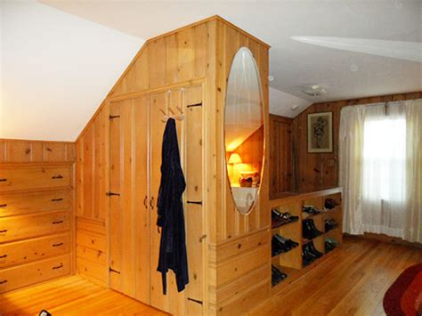 Pine Closet by Colors For Jeanne S Knotty Pine Bedroom Let S Our