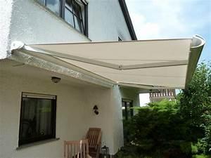 Terrasse sonnenschutz rollomeisterde for Markise balkon mit tapeten bordüre einfarbig