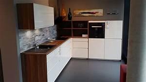 Leicht Küchen Preisliste : kuche in magnolia ~ Markanthonyermac.com Haus und Dekorationen