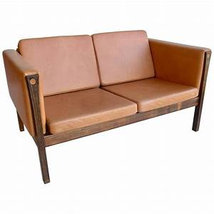 Sofa In Cognac : hans wegner two seat sofa ap62 in cognac leather and rosewood denmark 1965 for sale at 1stdibs ~ Indierocktalk.com Haus und Dekorationen