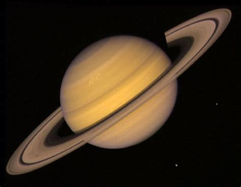 what color is the planet saturn pictures of saturn