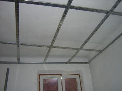 rail pour faux plafond placo maison travaux