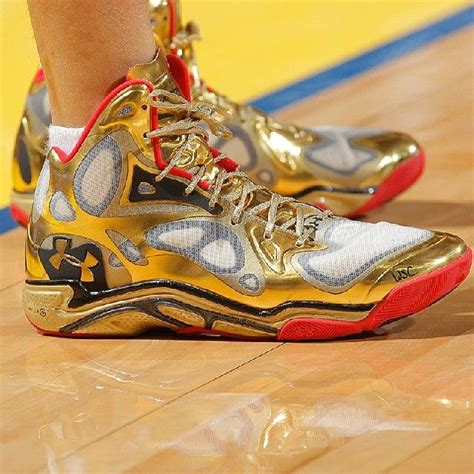 High upper basketball shoes sneakers men breathable sports shoes anti slip. 17 Best images about steph curry shoes on Pinterest | It is, Under armour and Last night