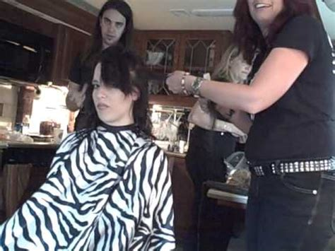 shave and a haircut rock hair on the tour with halestorm 9524