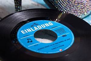 Vinyl Als Fliesenspiegel : schallplatte als einladungskarte original vinyl single gro artige einladungskarten great ~ Orissabook.com Haus und Dekorationen