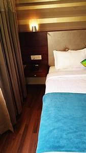 Bett Auf Boden : kostenloses foto zum thema bett blau boden ~ Markanthonyermac.com Haus und Dekorationen