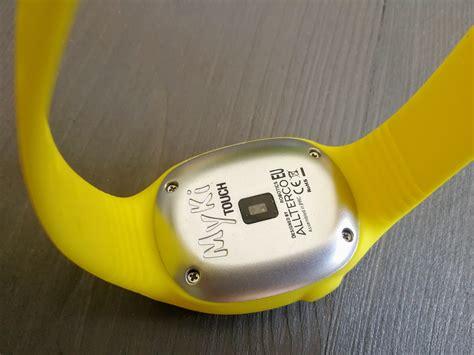 Bērnu drošības pulksteņu MyKi un MyKi Touch apskats ...