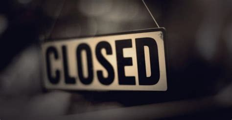 store closings show  sign  abating national real