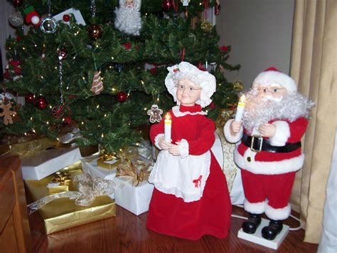 top 28 animated mr and mrs claus daryl graham