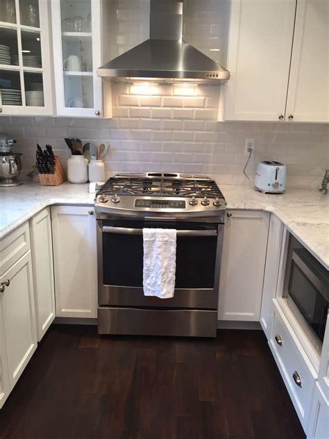 Kitchen Range Backsplash by Subway Tile Backsplash Range Slide In Gas Range