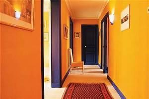une deco couloir orange pleine de peps et chaleureuse min With decoration d un petit jardin 7 diy deco faire une deco murale avec des petits miroirs