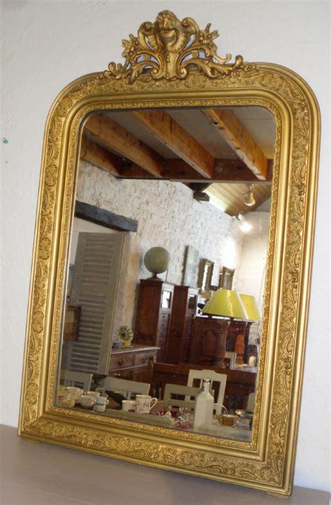 miroirs anciens bois dore miroir d appui a encadrement en bois dor 233 decor frise feuillagee motif rocaille en m 233 daillon
