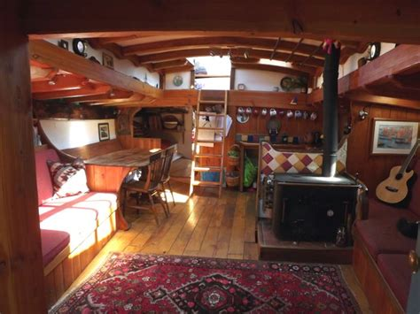 Fishing Boat Interior Ideas by 1000 Ideas About Wooden Boats For Sale On Pinterest