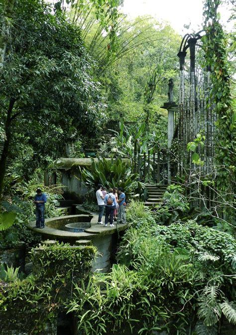 Un Jardín Surrealista, En Las Entrañas De La Huasteca