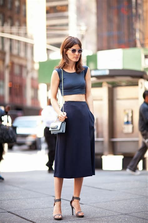 Metropolitan Musings: Crop Tops and High-Waisted Skirts