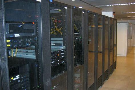 Professionelle Netzwerk- Und Serverschrank-reinigung Vom