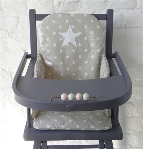 coussin chaise haute bébé les 25 meilleures idées concernant coussin de chaise haute