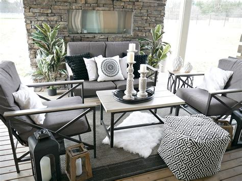 Decor In Black And White by Black And White Outdoor Decor Whiteaker