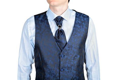 krawatte plastron oder fliege fuer den hochzeits anzug