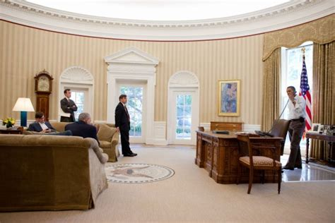 bureau de la maison blanche the quot resolute desk quot des glaces de l artique au bureau ovale de la maison blanche quand les